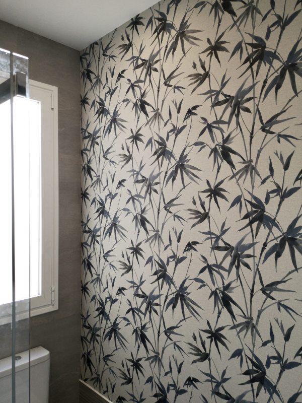 Empapelado pared baño