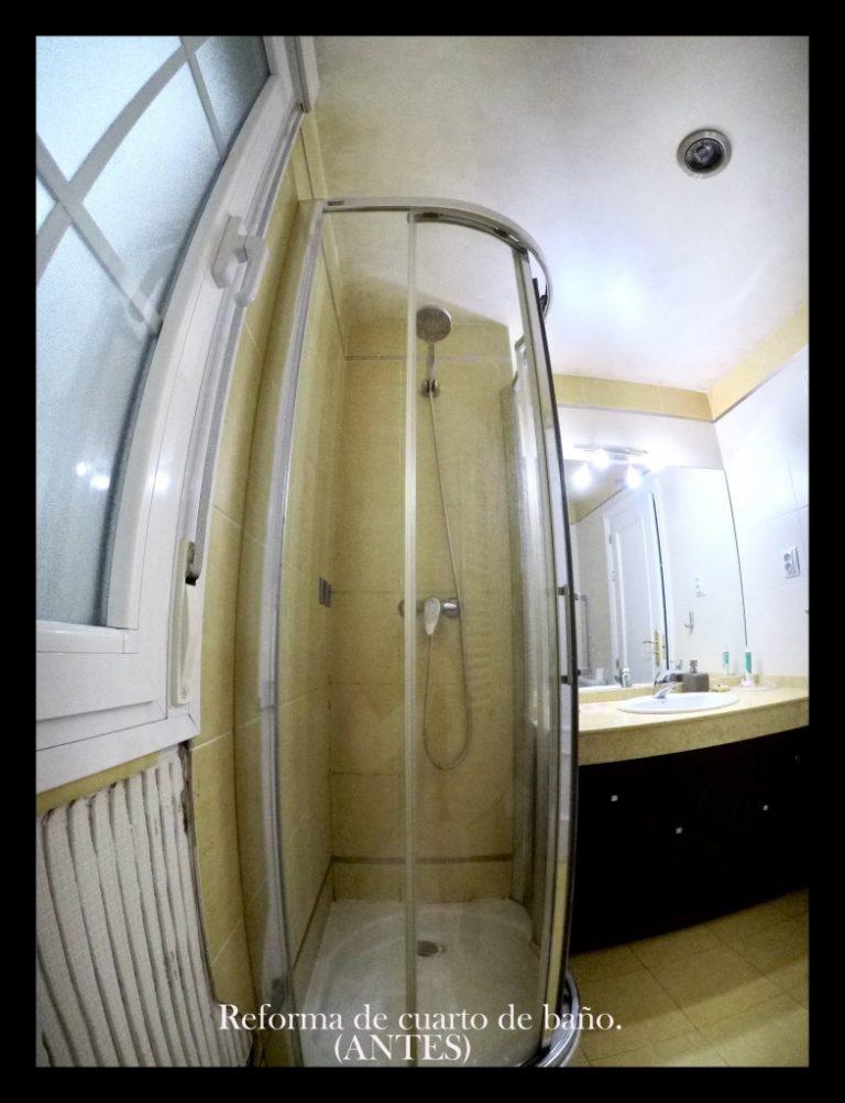 Plato de ducha antes de reformarlo con microcemento