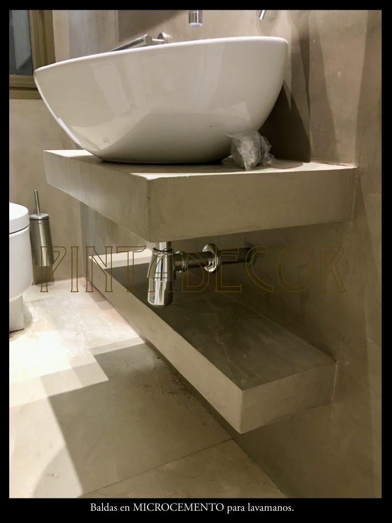 Balda para lavamanos realizada en Microcemento, Las Rozas.