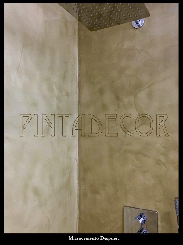 Cabina de ducha realizada en Microcemento sobre azulejos, Madrid.