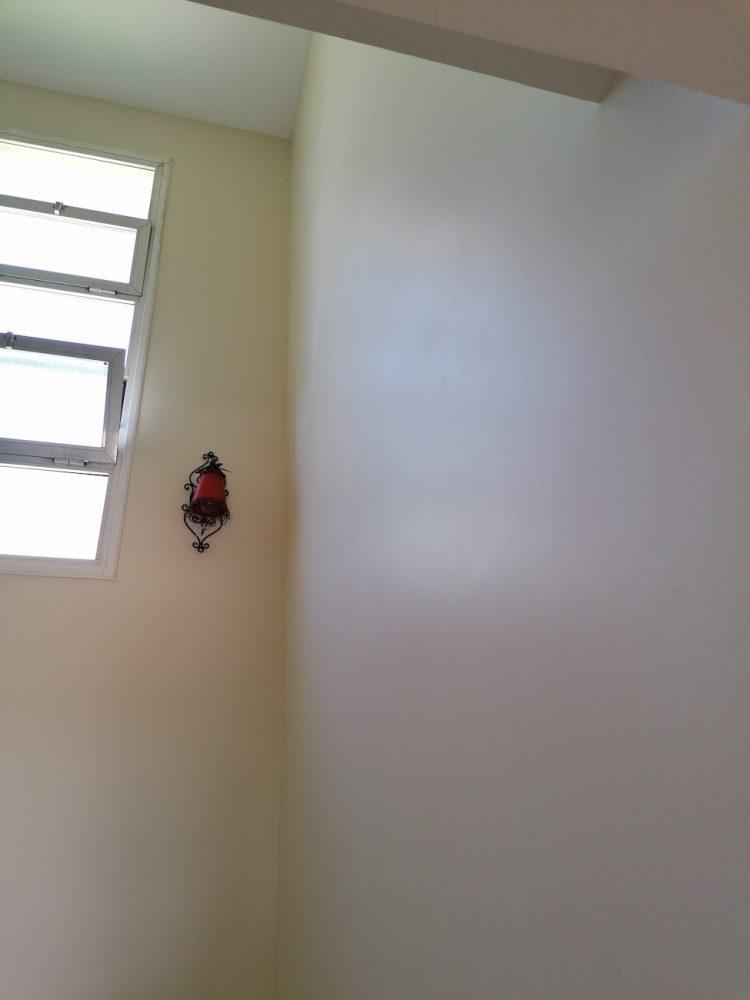 Alisado de paredes y acabado satinado.