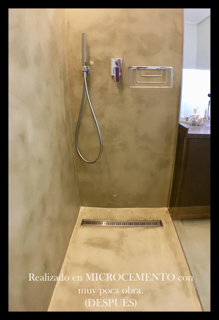 Plato de ducha en microcemento, esculpido en el forjado , una vez finalizado.